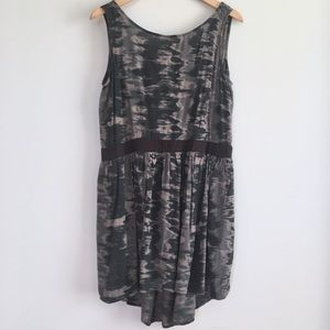 Marbled slate high lo sleeveless tunic